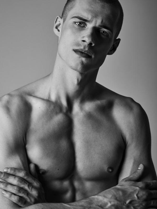 Dominik Bolanowski   Portfolio   FiveTwenty Model Management