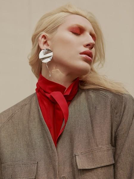Hana Schlesinger | Portfolio | FiveTwenty Model Management