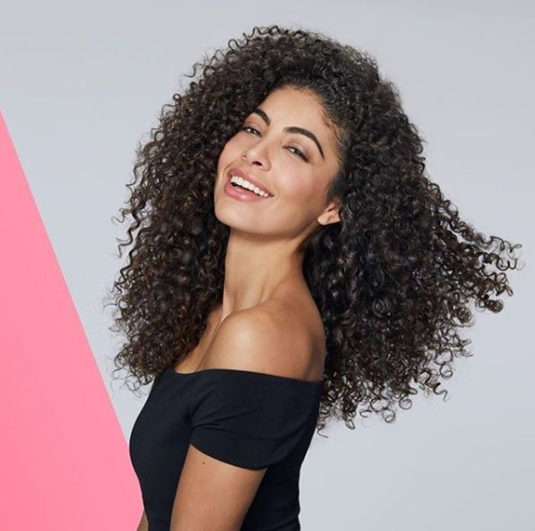 SOCIAL: SORAYA, FRIZZ-FREE FOR OUIDAD