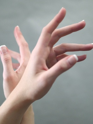 Alisa E - Hands