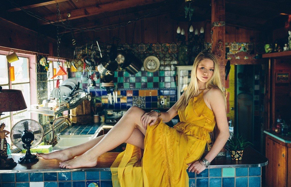 Ph: Jolene Dombrowski | HMU: Cara Style and Jordan McKenzie