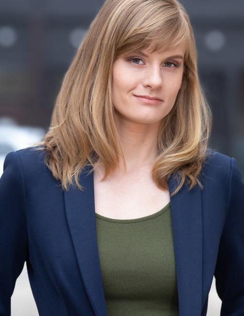 PH: Zoe McKenzie