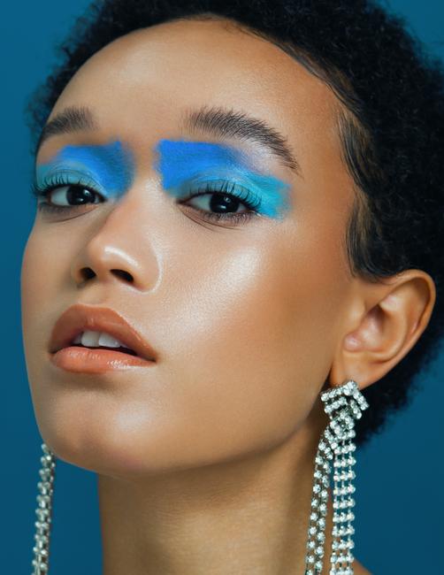 PH: Dasha Denger   MUA: Celena San Juan   Stylist: Sarah Fern