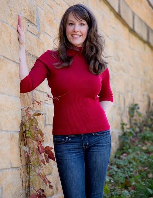 HMU: Rebecca Davison |  PH: Tara Gimmer