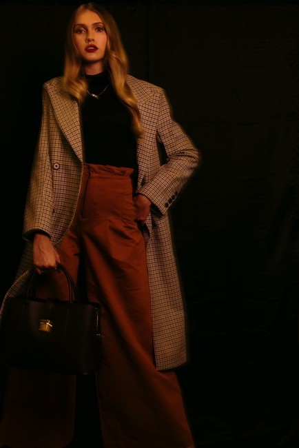 PH: Colleen Carney | HMU: Leanna Ernest | Styling: Charles Harris