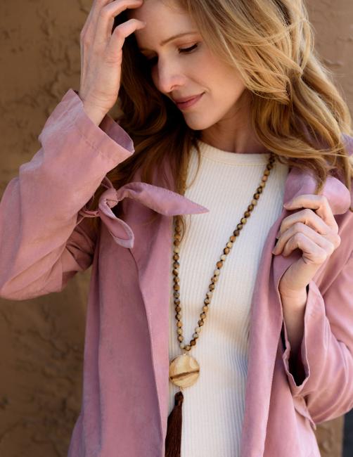 Elle Brands | PH: Lindsay Oien