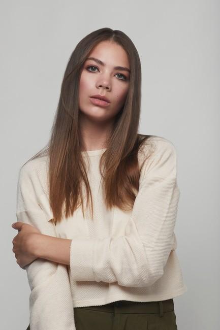 PH: Taylor Larue | HMU: Celena San Juan