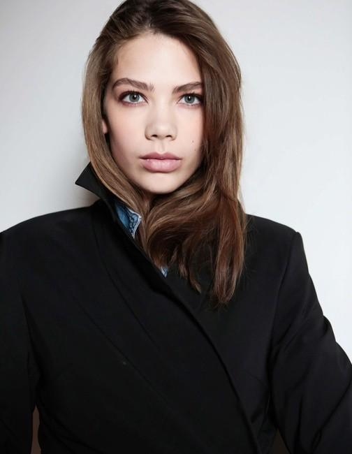 PH: Jae Feinberg | MUA: Tara Quass