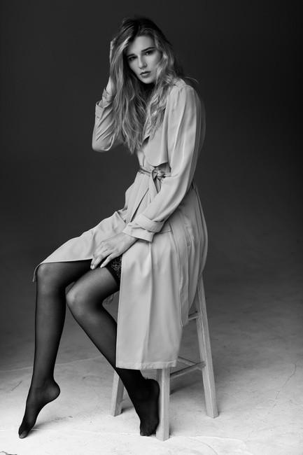 PH: Bonnie Nichoalds | HMU: Brady Nance | Stylist: Abigail Horton