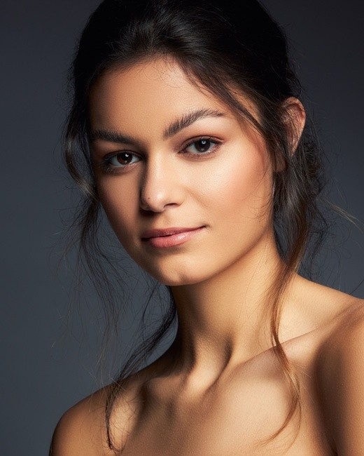 PH: Jeremy Kramer   HMU: Ariane Victoria   Model: Ellise L.