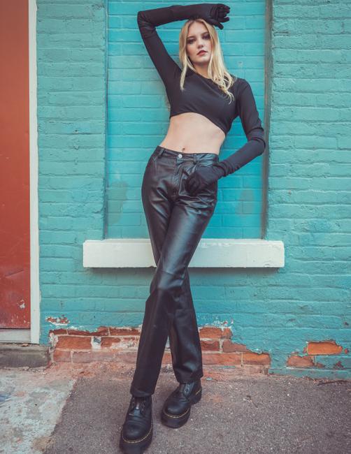PH: Andrew Atwell | HMU: Denisha Combs | Stylist: Ashley Cherney | Model: Ashley B