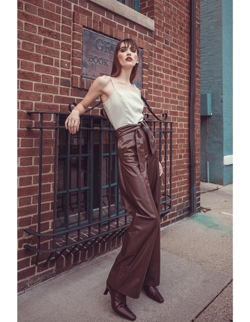 PH: Andrew Atwell | HMU: Denisha Combs | Stylist: Ashley Cherney | Model: Maggie Rose Mizner