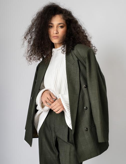 PH: Roland Lim   HMU:  Kimberly Black Crawford   Stylist: Char Westport