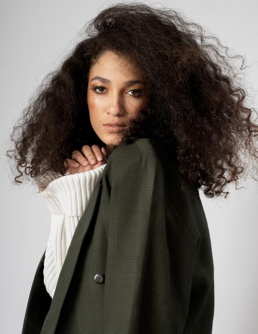 PH: Roland Lim | HMU:  Kimberly Black Crawford | Stylist: Char Westport