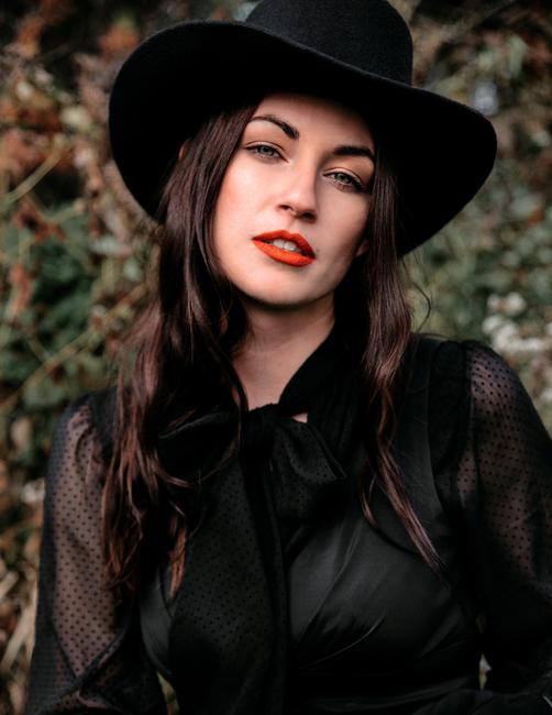 PH: Lauren Mulder | HMU: Julieta Reineri | Stylist: Ashley Cherney | Model: Savannah Thomas