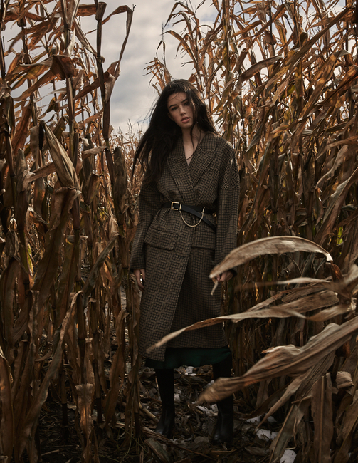 PH: Chelsea Marrin | HMU: Heather Busulovich | Model: Natalie D.