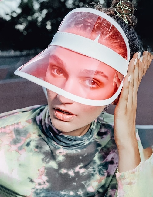 PH: Jamie Parker | HMU: Brittney Ounanian | Styling: Kate Tans | Model: Chloie Costello