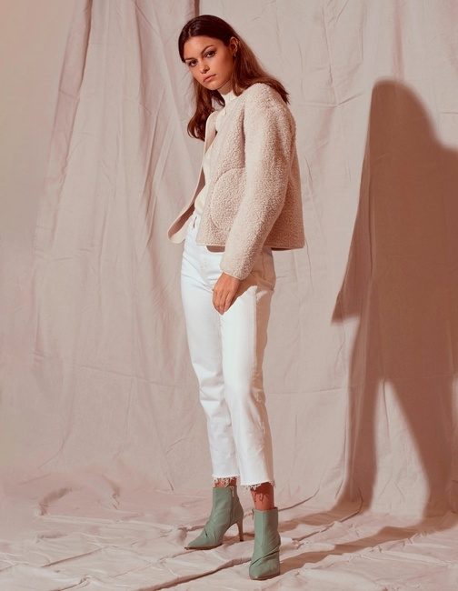 PH: Elfego Solares | HMU: Heather Busulovich | Styling: Sana Khan | Model: Ellise Limle
