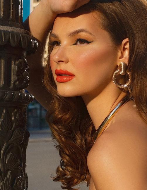 PH: Lynn Yati | Makeup: Alyssa Cruz | Hair: Anastasia Hair Chicago