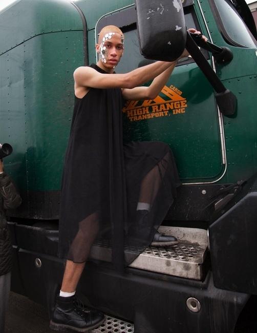 Klatblut Magazine | PH: Ryan Barhaug | HMU: Ashley Zimel | Styling: Taylor Zielinski