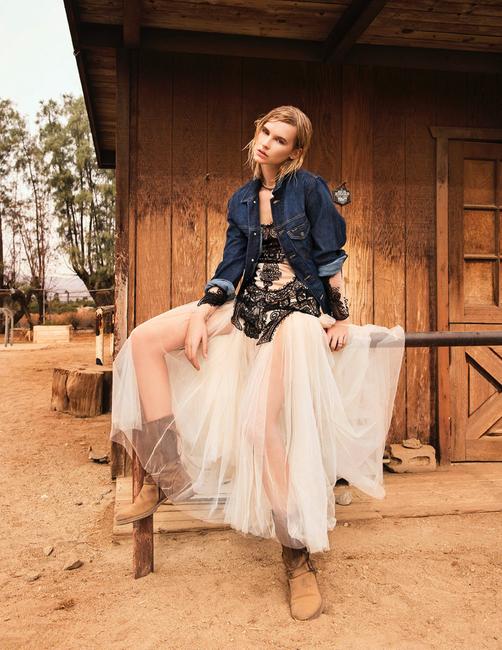 L'Officiel Lithuania | PH: Sharon Mor Yosef | Stylist: Isabelle Banham | HMU: Blondie