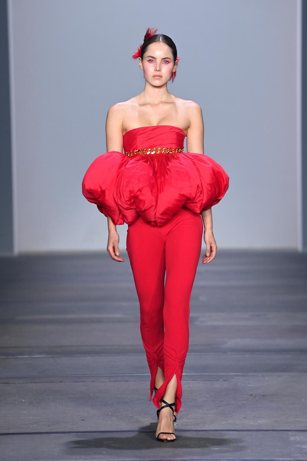 Emma Macgowan walks for Yousef Akbar at Australian Fashion Week   Pride Models news