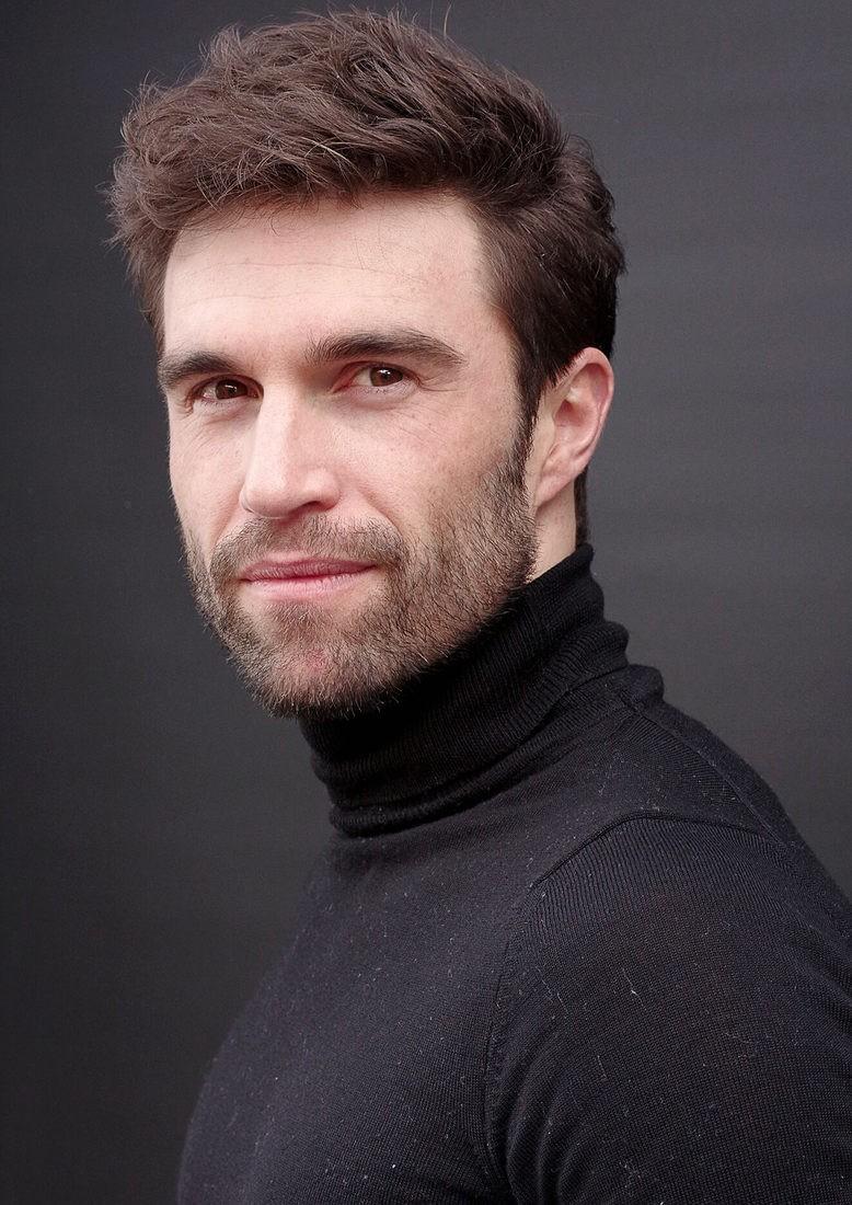 Yannick R