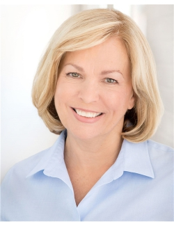 Joanne  Bowes