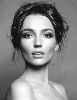 Polina  Reed