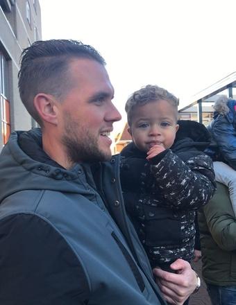 Isatou - Delev +vader