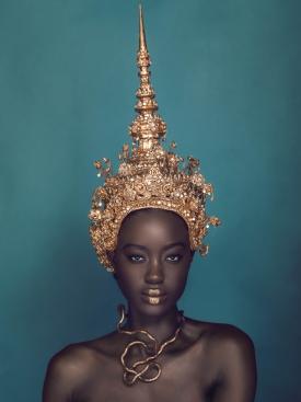 Isi Akahome | Photographer