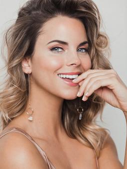 Paula Heckenast   Makeup & Hair