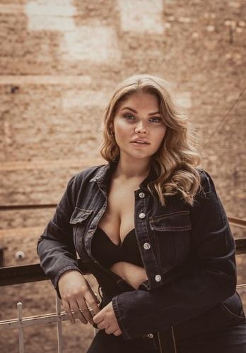 Janina | Women | Bridge Models London