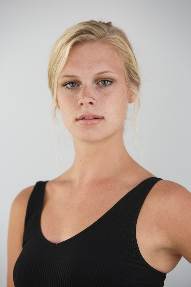 Amber Robinson represented by The Tabb Agency