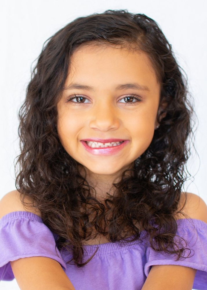 Chloe Robinson represented by The Tabb Agency