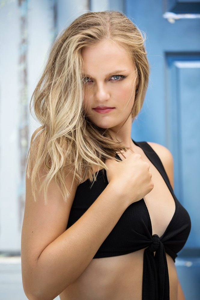 Cloie Mitchell represented by The Tabb Agency