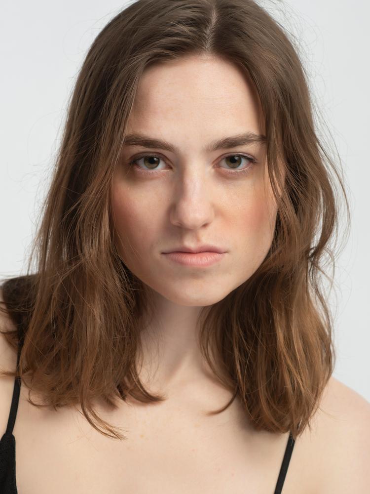 Lauren Elliott represented by The Tabb Agency