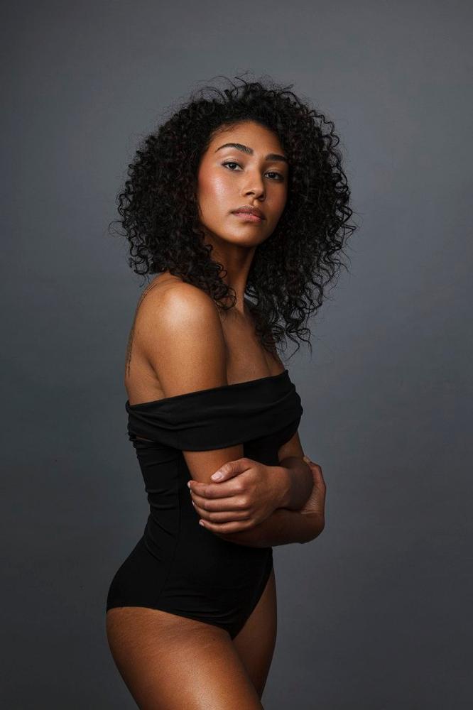 Simone Ryan represented by The Tabb Agency